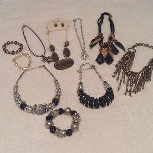 Accessories - Necklaces and bracelets